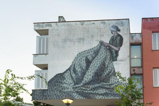 Hyuro creates a new mural in Poggibonsi, Italy