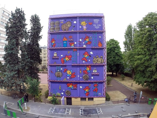 Jace creates a Donkey-Kong inspired mural in Paris, France