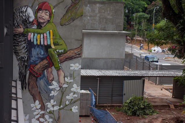 Ernest Zacharevic unveils a series of new pieces in Singapore