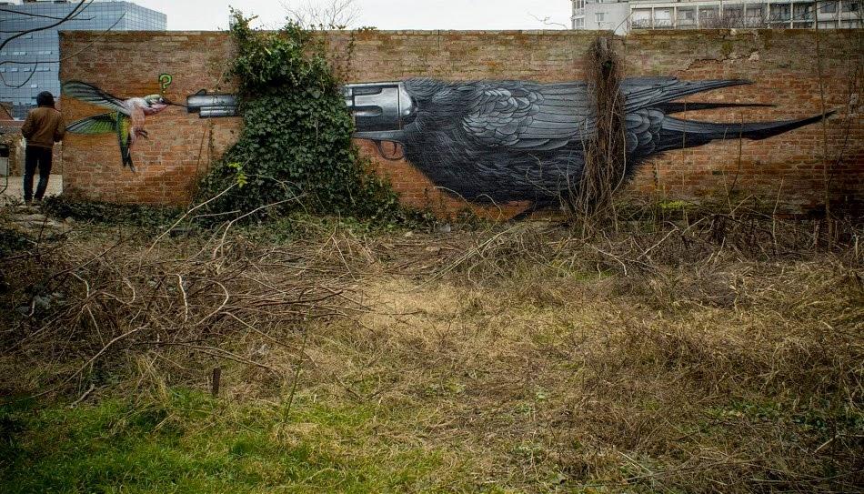 Lonac paints a new piece in Zagreb, Croatia