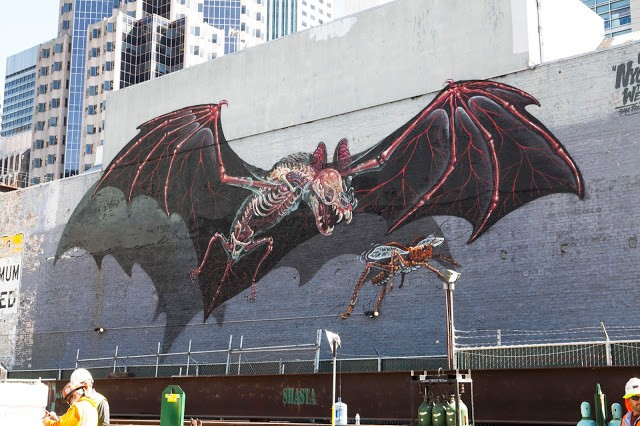 Nychos unveils a giant bat in San Francisco, USA
