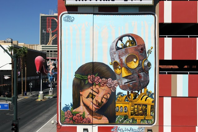 Life Is Beautiful '15: Pixel Pancho creates a new piece in Las Vegas