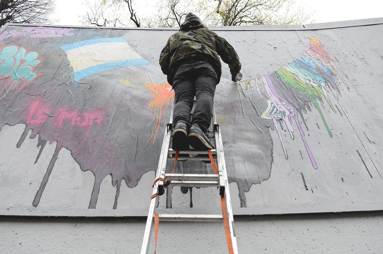 Brusk-DMV-Le-Mur-De-Saint-Etienne-Graffiti-Da-Mental-Vaporz-15
