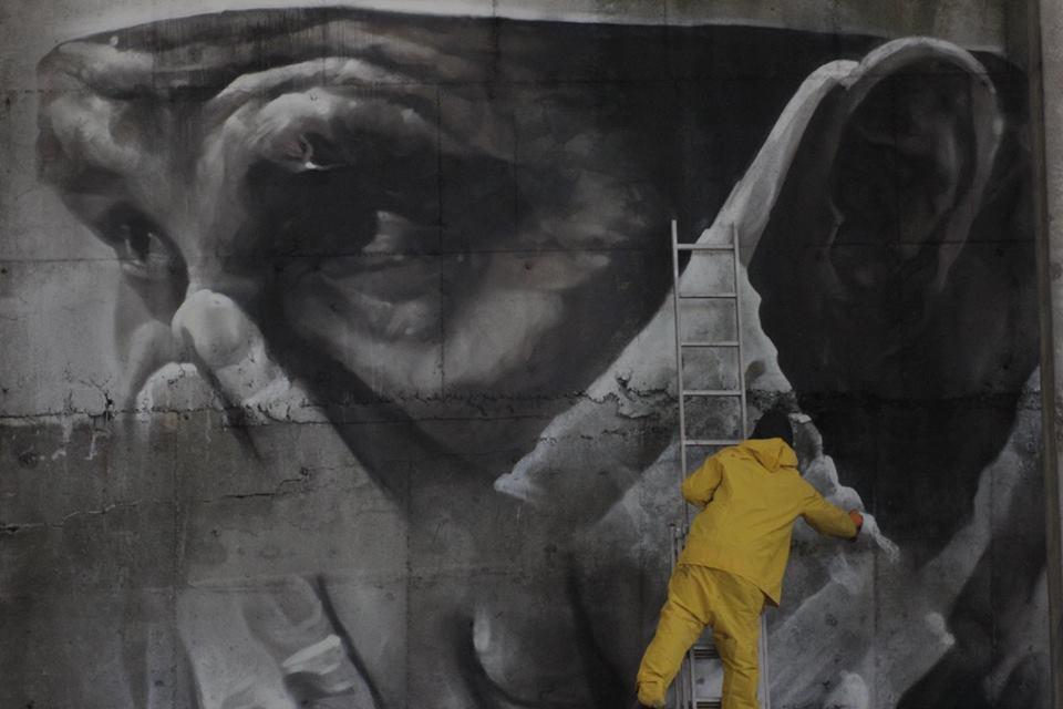 guido-van-helten-chernobyl-8