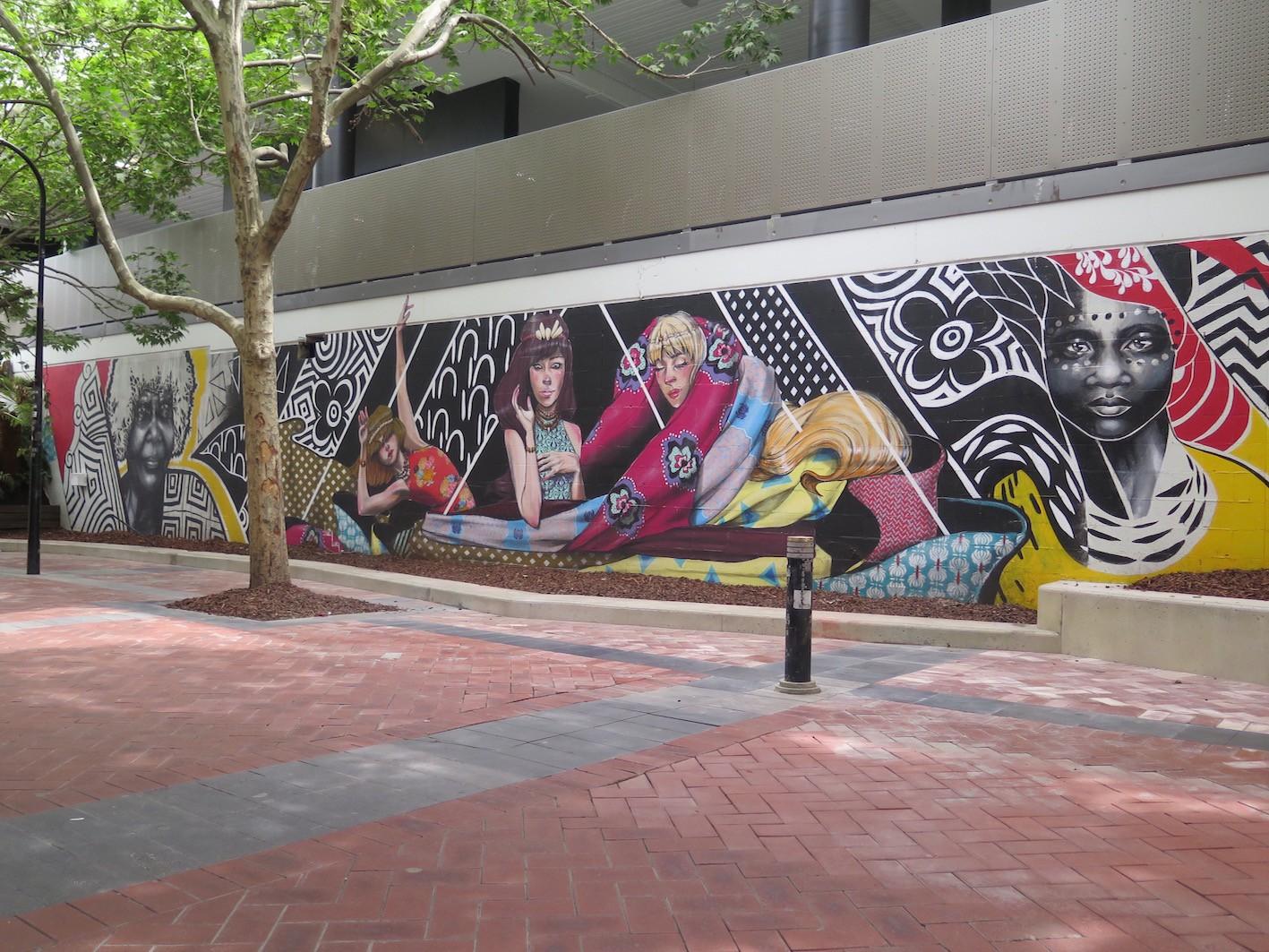 deansunshine_landofsunshine_melbourne_streetart_graffiti_eastland urban art project 6 lucy lucy shannons crees collab 1